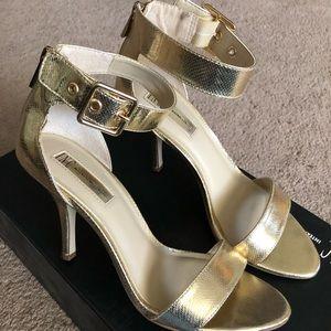INC International Concepts Gold Heels Size 7.5